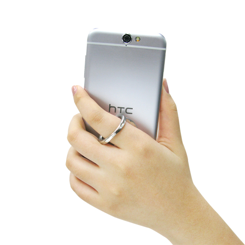 Zinc alloy mobile ring stand is handy for taking photos